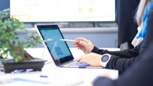 Miten rakentaa menestyvää liiketoimintaa verkkoon?