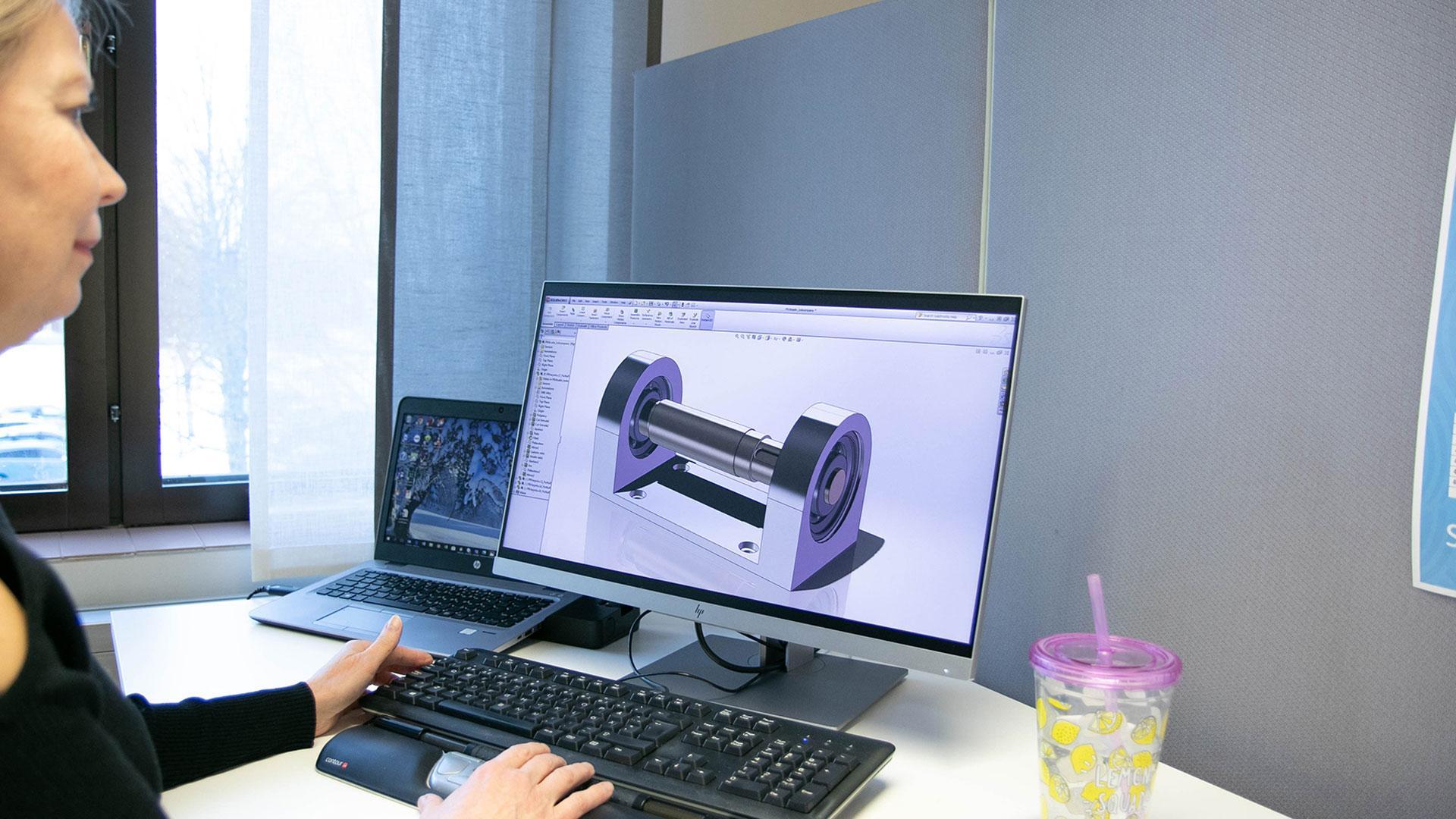 Tietokoneavusteinen suunnittelu CAD-ohjelmistoilla, Suomen Yrittäjäopisto.