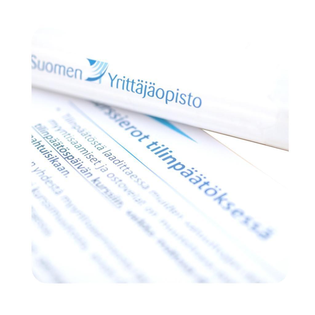 Tilinpäätöksen verkkokurssi Suomen Yrittäjäopiston Koulutuskaupassa.