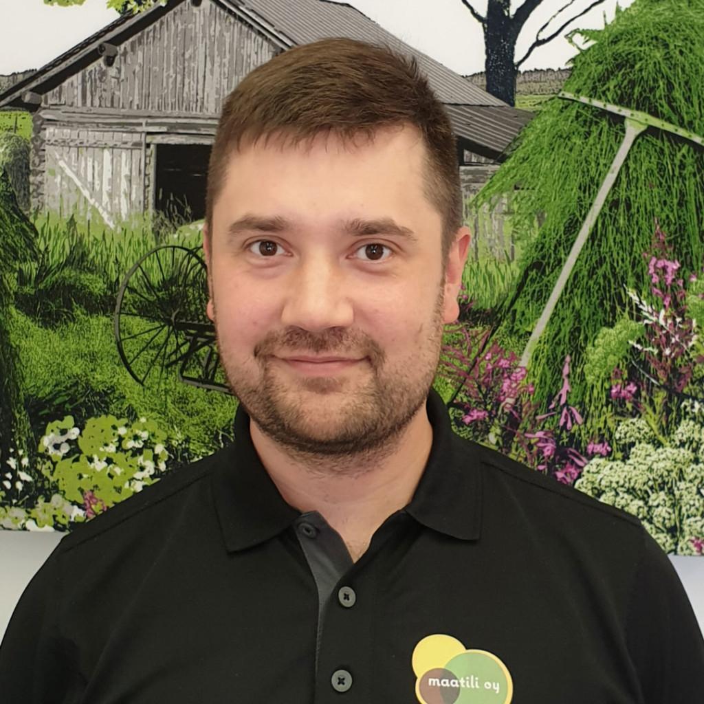 Maatilavalmentaja Juho Pikkarainen