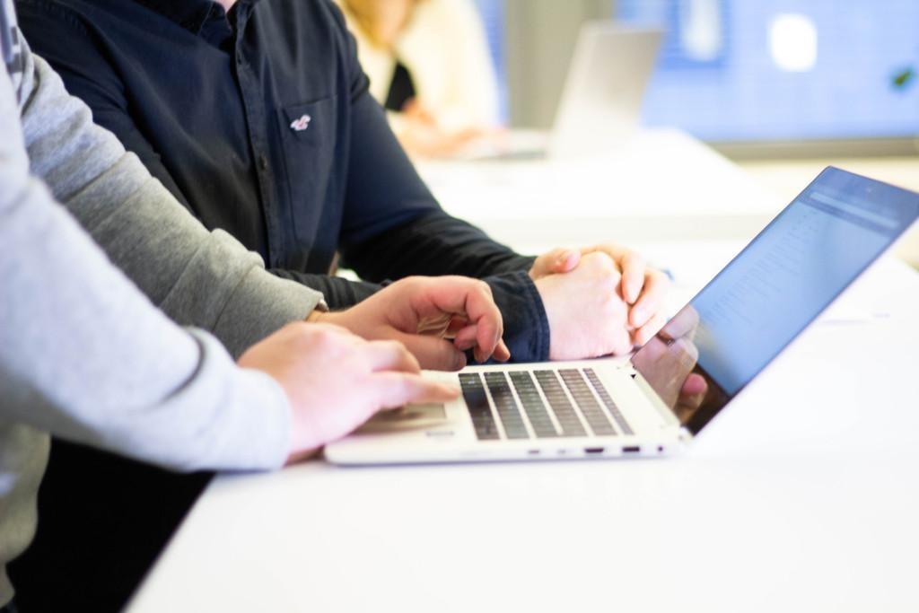 Teknologia ja ICT-koulutukset
